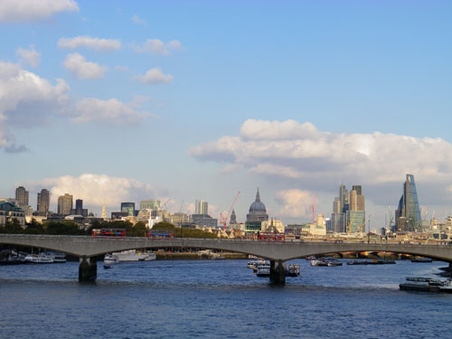 Walking across Hungerford Bridge to Southbank